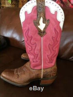 Ariat Women's Cowboy boots Sz 8 Pink, White & Tan Great Condition Rarely Worn